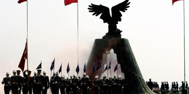Absolventen einer Militär-Akademie in Istanbul