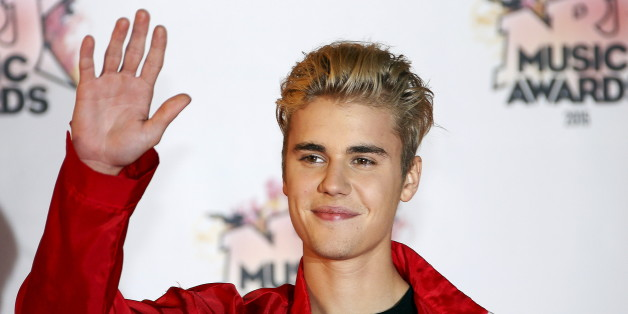 Canadian singer Justin Bieber arrives for the NRJ Music Awards ceremony at the Festival Palace in Cannes, France, November 7, 2015.  REUTERS/Eric Gaillard