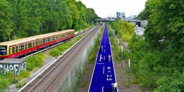 So könnte der Radschnellweg entlang der jetzigen S-Bahn-Linie 1 in Berlin aussehen