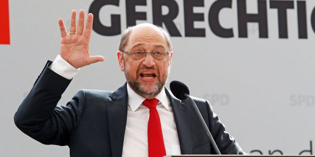 Herausforderer Martin Schulz fordert ein Fernsehduell mit Angela Merkel
