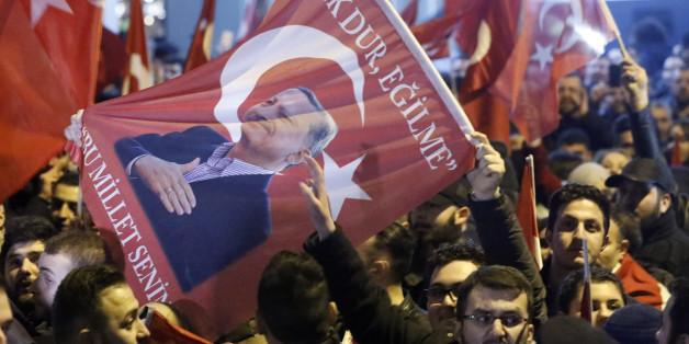 Das müsst ihr wissen, um die Eskalation im Streit zwischen der Türkei und den Niederlanden zu verstehen
