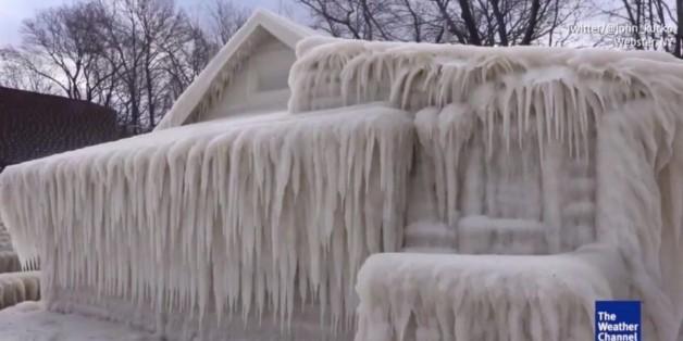 Ein Blizzard lässt Häuser einfrieren - die Folgen für die Bewohner sind dramatisch