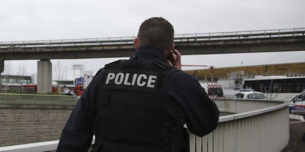 Nach Attacke am Flughafen: Schüsse auf Polizisten nahe Paris