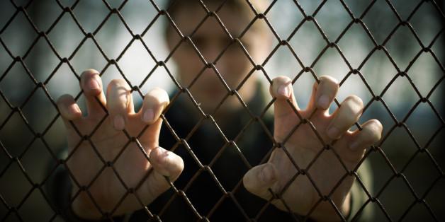 Sozialwissenschaftler erklärt: Darum ist das Wegsperren von Verbrechern sinnlos (Symbolbild)