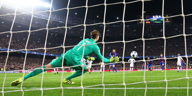 Football Soccer - Barcelona v Paris St Germain - UEFA Champions League Round of 16 Second Leg - The Nou Camp, Barcelona, Spain - 8/3/17 Barcelona's Lionel Messi scores their third goal from the penalty spot  Reuters / Sergio Perez Livepic