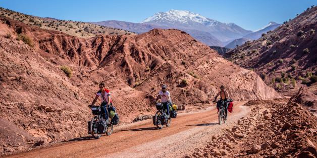 Oscar Piljek et Ivan Saganić traversent le Maroc avec un ami.