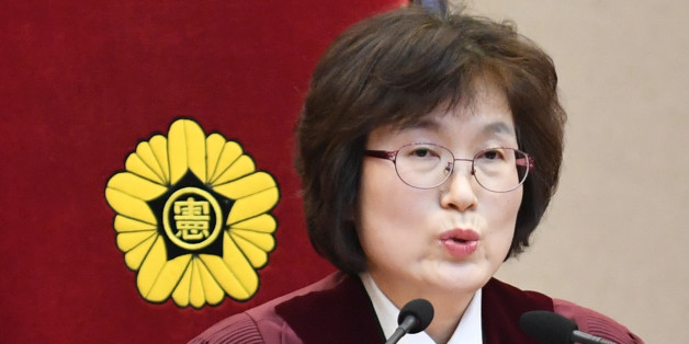 South Korean acting Constitutional Court's Chief Judge Lee Jung-mi during final ruling of President Park Geun-hye's impeachment at the Constitutional Court in Seoul, South Korea, 10 March 2017. REUTERS/Kim Min-hee/Pool