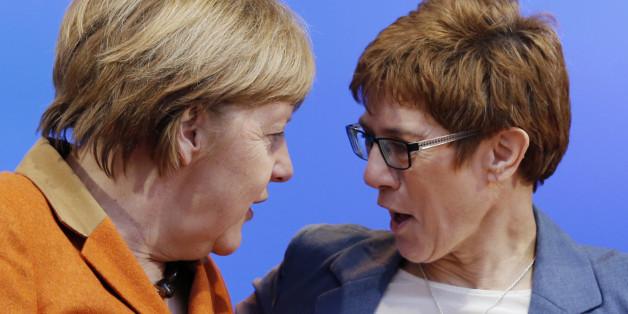 """""""Merkels trügerischer Sieg"""" - Die CDU gewinnt im Saarland - doch für die Bundestagswahl sagt das wenig aus"""