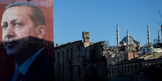 ISTANBUL, TURKEY - MARCH 29: A 'EVET' (Yes) campaign billboard showing the portrait of Turkish President Recep Tayyip Erdogan is seen on March 29, 2017 in Istanbul, Turkey. Campaigning by both the 'Evet'(Yes) and 'Hayir' (No) camps has intensified this week ahead of Turkey holding a constitutional referendum on April 16, 2017. Turks will vote on 18 proposed amendments to the Constitution of Turkey. The controversial changes seek to replace the parliamentary system and move to a presidential system which would give President Recep Tayyip Erdogan executive authority.  (Photo by Chris McGrath/Getty Images)