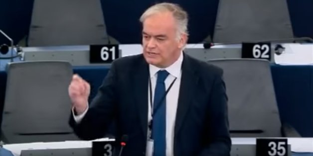 Der spanische Politiker Esteban González Pons hält eine Lobrede auf die Union
