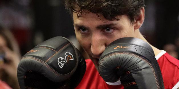 Justin Trudeau veut une revanche de sa bagarre avec Matthew Perry à l'école primaire