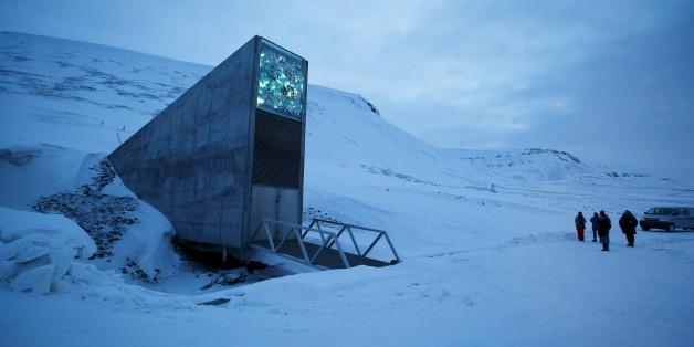 """Der Eingang zur benachbarten """"Global Seed Bank"""" - Quelle: Reuters"""