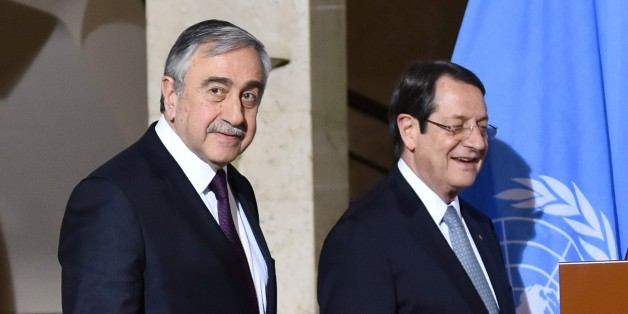 GENEVA, SWITZERLAND - JANUARY 12: Secretary General of the United Nations (UN) Antonio Guterres (R), Turkish Cypriot leader Mustafa Akinci (L) and Greek Cypriot leader Nicos Anastasiades (C) attend a press conference during the fourth day of Cyprus talks at United Nations Office in Geneva, Switzerland on January 12, 2017.  (Photo by Mustafa Yalcin/Anadolu Agency/Getty Images)