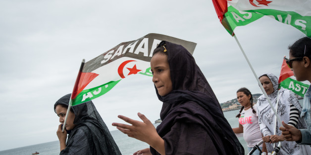 Hunndrends of people demonstrate to defend human rights in Western Sahara and call independency and freedom of the Sahara in Gijon, Asturiana city of Spain, on 28 August 2016. (Photo by Guillaume Pinon/NurPhoto via Getty Images)