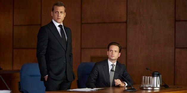 """Der geniale Universitäts-Abbrecher Mike Ross soll in einer Top-Anwaltskanzlei New Yorks arbeiten, umringt von Harvard-Absolventen: """"Suits"""", Staffel 5 ist neu auf Netflix"""