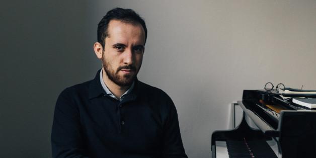 Wie vertragen sich Politik und Musik? Starpianist Igor Levit im HuffPost-Live-Interview