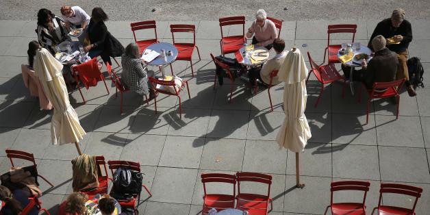 Café in NRW wird Schauplatz einer brutalen Tat (Symbolfoto)