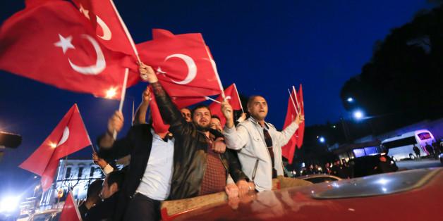 Erdogan-Fans feiern den Sieg