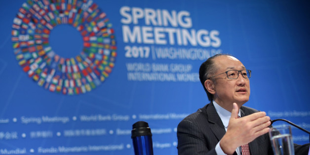 WASHINGTON, DC - APRIL 20:  World Bank President Jim Yong Kim talks to reporters at a news conference during the World Bank and International Monetary Fund Spring Meetings April 20, 2017 in Washington, DC. According to the IMF's World Economic Outlook, the global economy is projected to grow 3.5-percent in 2017, up from its previous forecast of 3.4-percent in January.  (Photo by Chip Somodevilla/Getty Images)