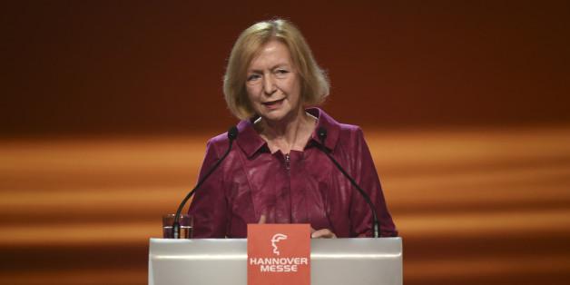 Bildungsministerin Wanka will Anteil von Migranten in Schulklassen begrenzen
