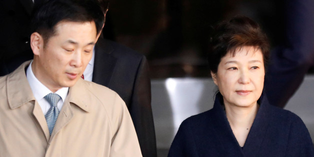 South Korea's ousted leader Park Geun-hye leaves a prosecutor's office in Seoul, South Korea, March 22, 2017.  REUTERS/Kim Hong-Ji     TPX IMAGES OF THE DAY