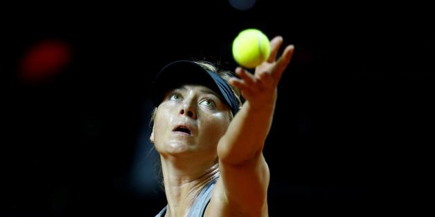 Maria Sharapova spielt beim WTA-Tennis-Tunier in Stuttgart mit