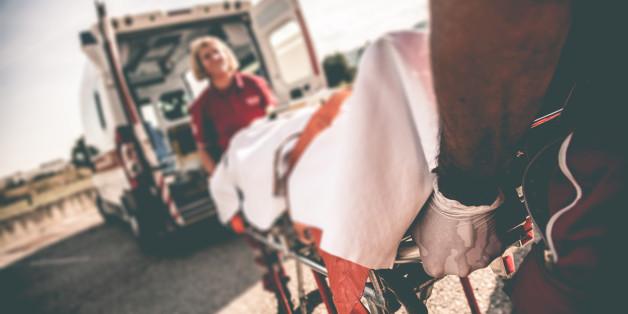 Was ein hessischer Rettungsassistent mit einem bewusstlosen Patienten gemacht hat, ist ein Skandal
