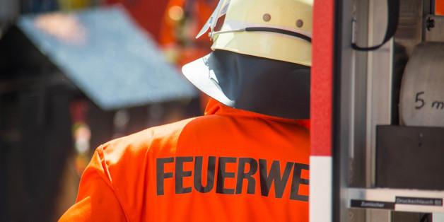 Feuerwehrmann findet sterbende Ehefrau nach Unfall bei Hamburg