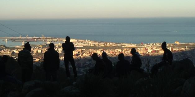 """Image extraite du film """"The Land Between"""" de David Fedele, sur les migrants à la frontière entre le Maroc et l'Espagne"""