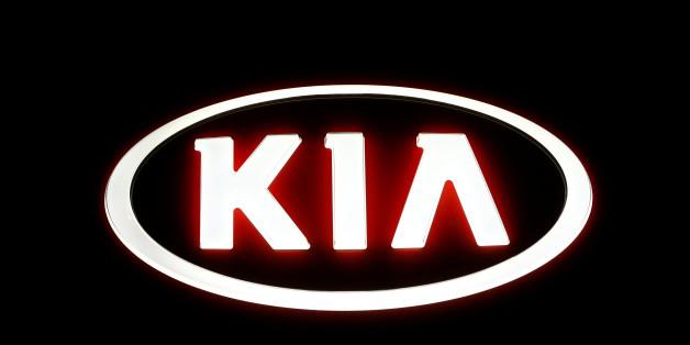 The logo of Kia Motors is seen outside a garage in Vienna, Austria, September 27, 2016.   REUTERS/Leonhard Foeger