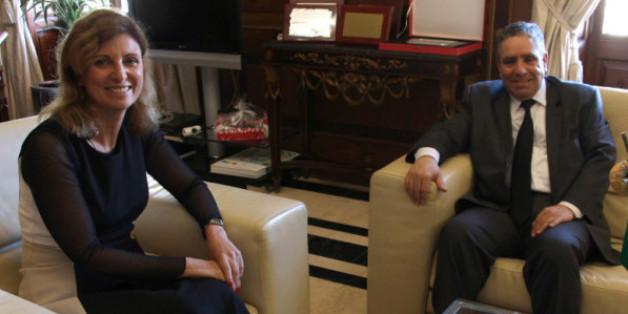 Le consul d'Algérie à Valnce M. Azzdine Benbelgacem reçu par la maire de Casellon Mme Amparo Marco