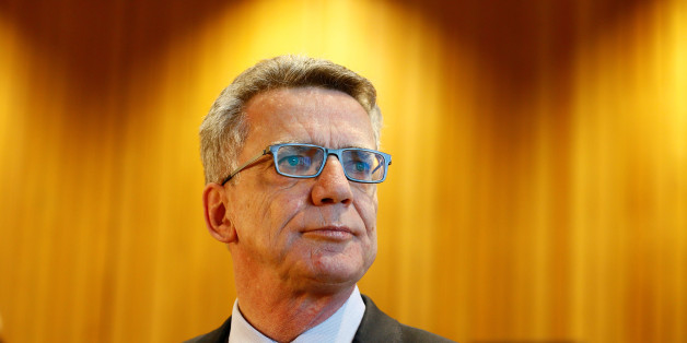 German interior minister Thomas de Maiziere faces a parliamentary inquiry following the mass sexual attacks in Cologne on New Year's Eve at the federal parliament of North Rhine-Westphalia in Duesseldorf, Germany, October 31, 2016.  REUTERS/Wolfgang Rattay