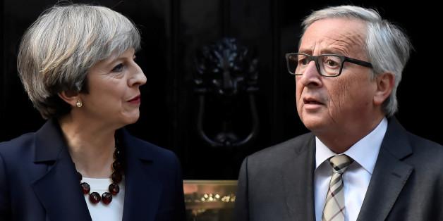 Im Clinch: Auch EU-Kommissionspräsident Juncker glaubt, dass Brexit-Verhandlungen mit der britischen Premierministerin May scheitern könnten