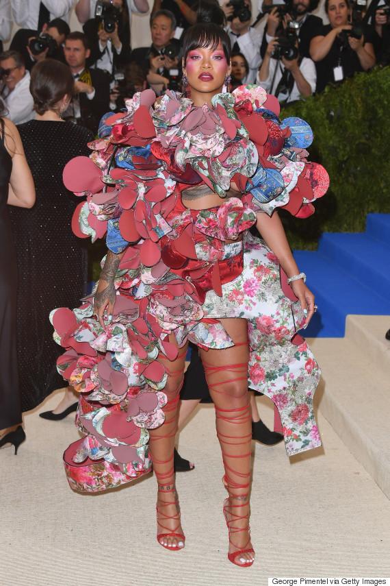 Rihanna Rocks Comme Des Garçons At 2017 Met Gala Honouring Rei ... ee9b2a5aae62