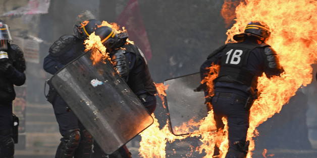 Erster Mai: Polizisten bei Ausschreitungen in Paris verletzt