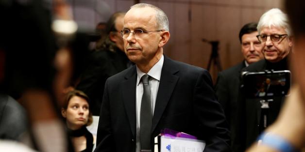 Günter Lubitz auf der Pressekonferenz in Berlin. Mit einem unabhängigen Gutachten will er seinen Sohn entlasten