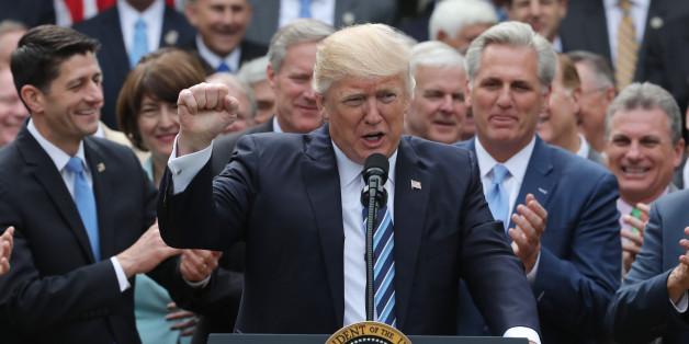 """""""Fast schon kriminell"""": Die Presse zerreißt Trumps Gesetz zur Gesundheitsvorsorge"""