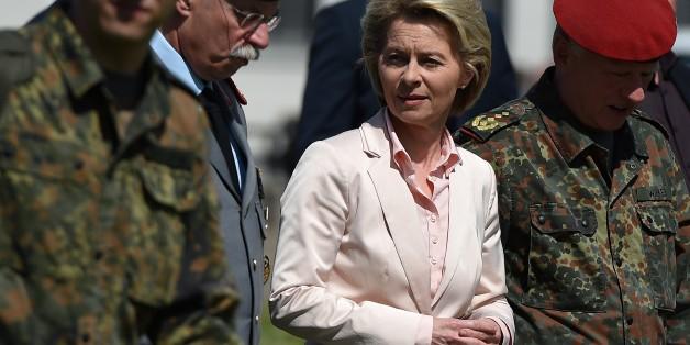 Verteidigungsministerin von der Leyen entschuldigt sich bei Bundeswehr-Generälen