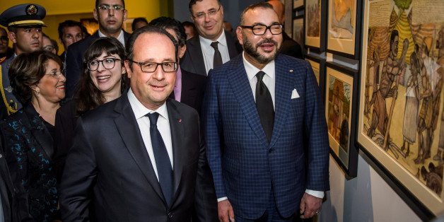 France's President Francois Hollande and King Mohammed VI of Morocco visit the Treasure of Islam exhibition at the Arab World Institute in Paris, France, May 6, 2017.    REUTERS/Christophe Petit Tesson/Pool