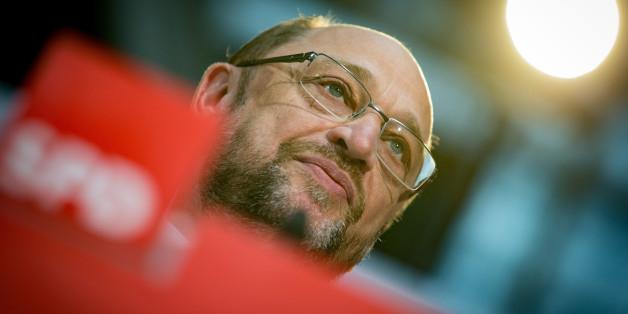 Martin Schulz will sein wirtschaftspolitisches Programm erklären - doch alle TV-Sender schalten weg