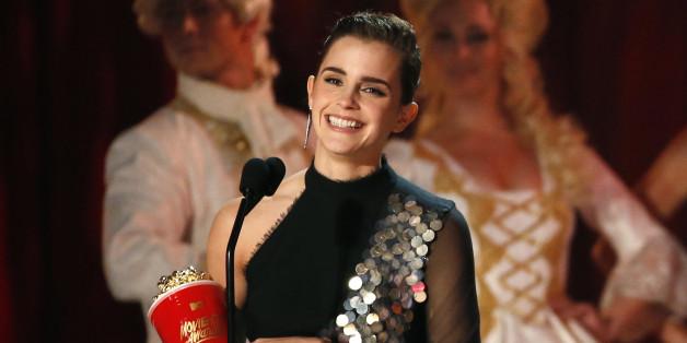 Emma Watson gewinnt einen Award bei den 2017 MTV Movie & TV Awards.