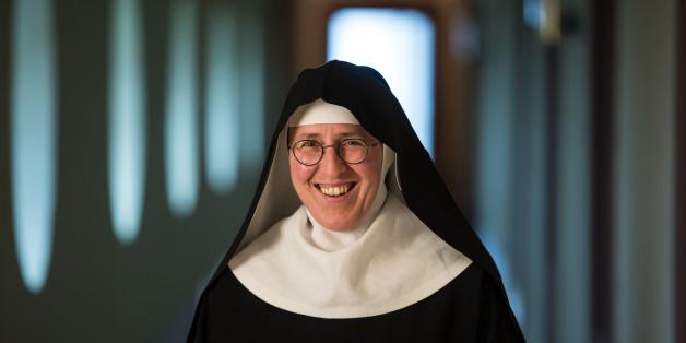 Die 52-jährige Nonne Andrea Stadermann aus dem hessischen Rüdesheim hat ein überraschendes Hobby
