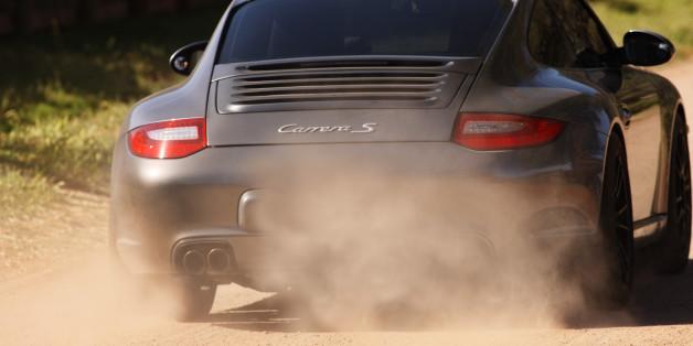 Polizeistreife stoppt Porsche – erst dann sieht sie, wer hinter dem Steuer sitzt