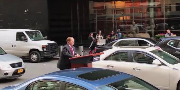 Melissa McCarthy spielt für SNL den Pressesprecher Sean Spicer.