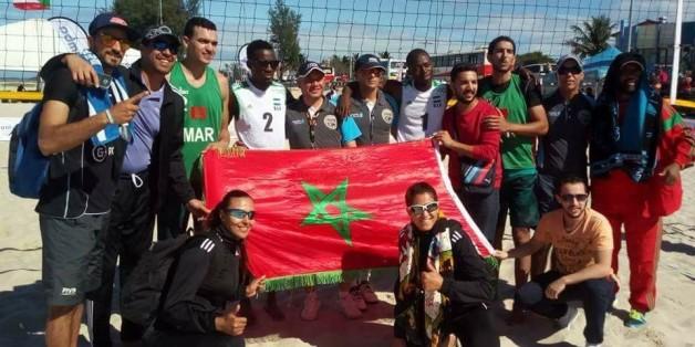 Les deux équipes de beach-volley, féminine et masculine, sacrées respectivement vice-champion et champion d'Afrique.