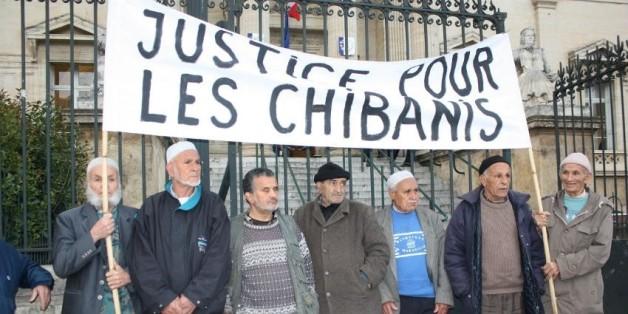 Plusieurs centaines de Chibanis devant la Cour d'appel de Paris.
