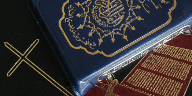 Im Koran und in der Bibel wird Gewalt immer wieder genannt.