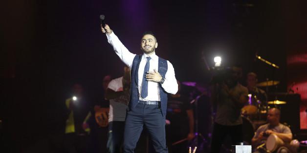 Mawazine: Tamer Hosny parle de son rapport avec ses admirateurs (et admiratrices)