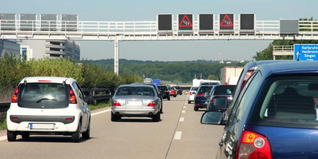 Diese 8 Fotos zeigen, wie schlimm der Verkehr in deutschen Städten ist - ihr solltet sie euch merken