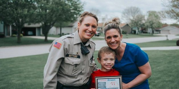 Diese Polizistin rettet das Leben des kleinen Jungen